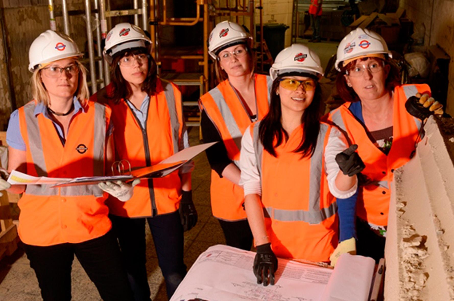 Mujeres en construcción