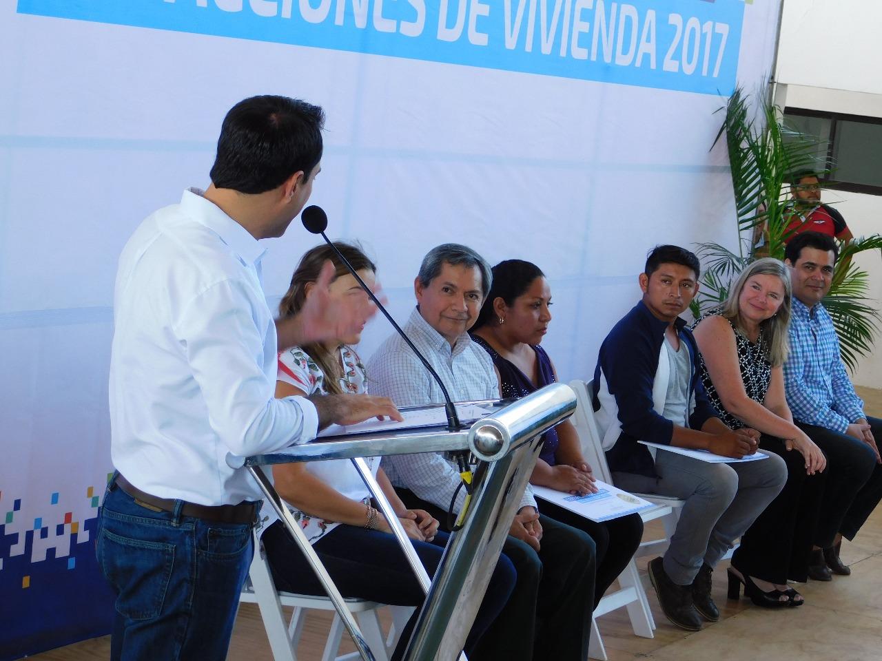 Reconoce Ayuntamiento CMIC